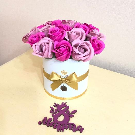 Мыльные розы в коробке на юбилей