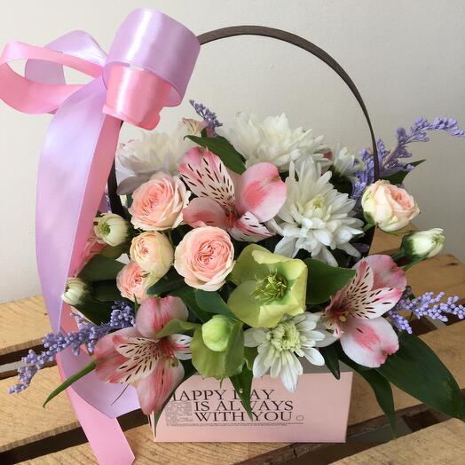 Цветы в коробке Весенний день