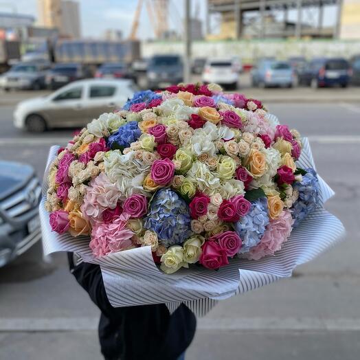 Весенний букет из нежнейшей цветов