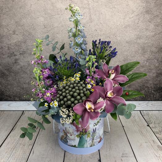 Цветы в коробке « Шанталь «