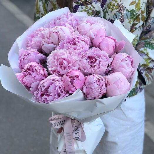 Моно букет из розовых Пионов Sara Bernhardt