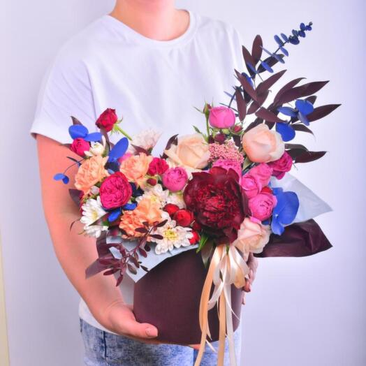 Композиция из роз, гвоздики и хризантемы