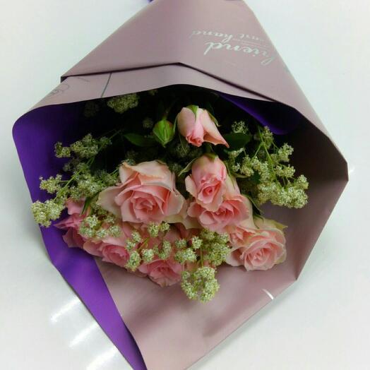 Букет кустовая роза