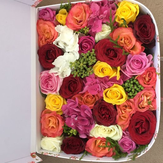 Flowers in a suitcase : flowers to order Flowwow