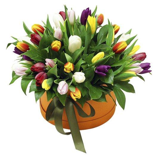 """Коробочка с тюльпанами """"Изабель"""": букеты цветов на заказ Flowwow"""