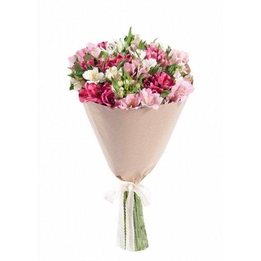 Букет альстромерий в крафте.: букеты цветов на заказ Flowwow