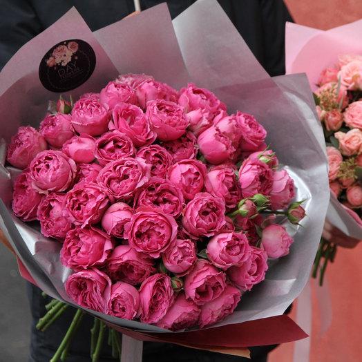 19 кустовых пионовидных роз сорта Мисти Баблз: букеты цветов на заказ Flowwow