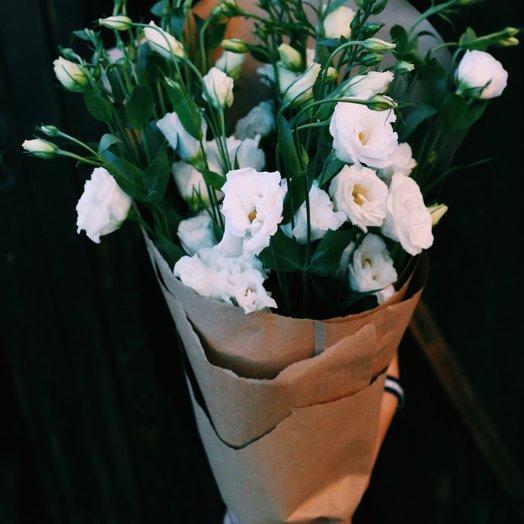 Облака в крафте: букеты цветов на заказ Flowwow