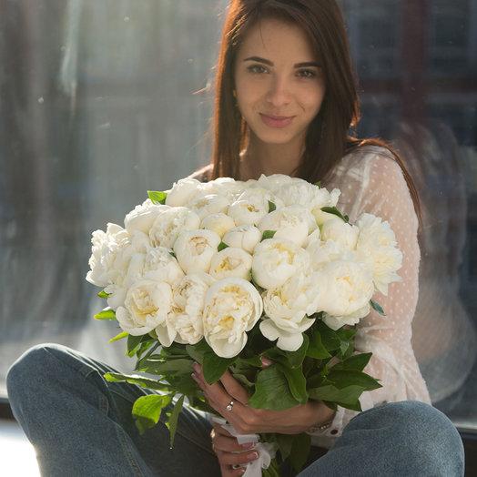 """Букет из 35 белых пионов """"Дюшес де  Немур"""": букеты цветов на заказ Flowwow"""