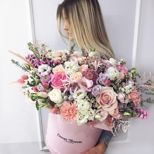 Композиция в шляпной коробке XL Pink: букеты цветов на заказ Flowwow