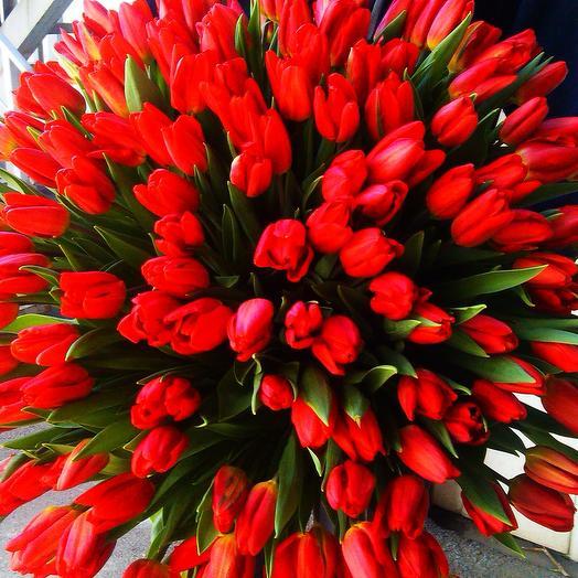 Женский Празник: букеты цветов на заказ Flowwow