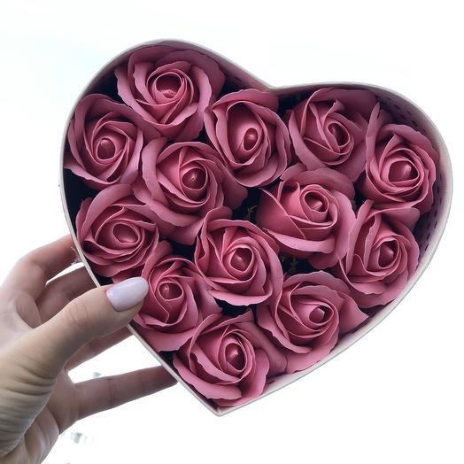13 мыльных роз к 8 марта: букеты цветов на заказ Flowwow