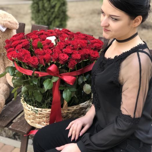Корзина 101 роза: букеты цветов на заказ Flowwow