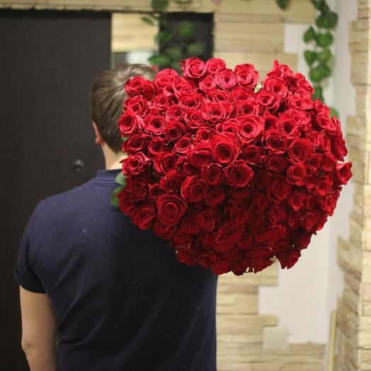 101 эквадорская роза длинной 70 см: букеты цветов на заказ Flowwow