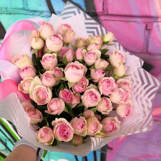 Нежные кустовые розы: букеты цветов на заказ Flowwow