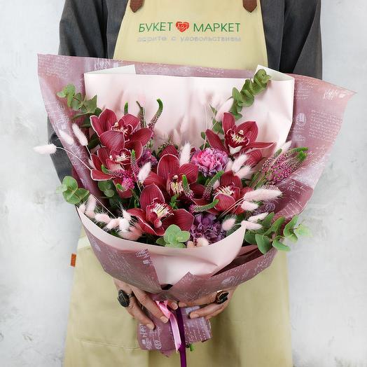 Букет из орхидей и зелени: букеты цветов на заказ Flowwow