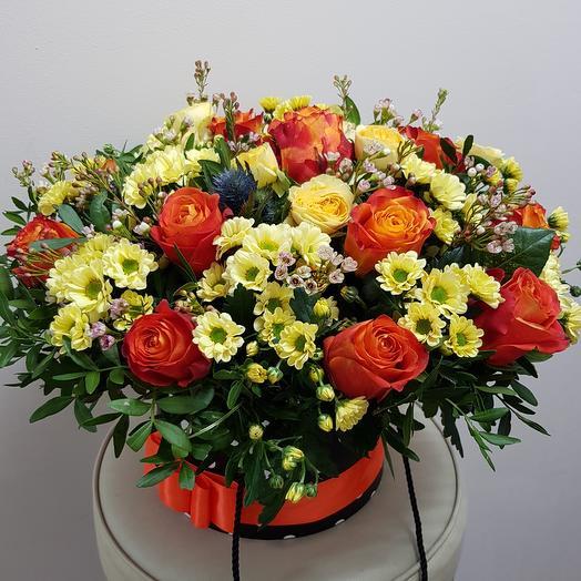 Композиция в коробке солнышко: букеты цветов на заказ Flowwow