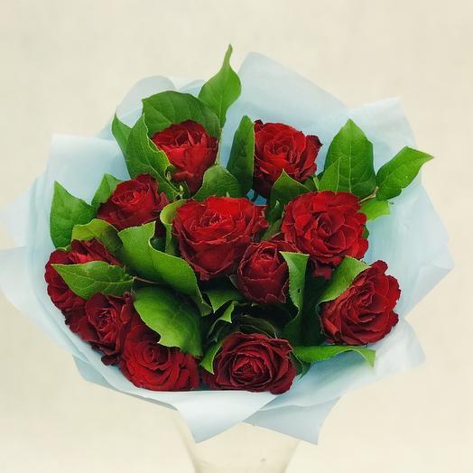 Букет «Розы с салалом»: букеты цветов на заказ Flowwow