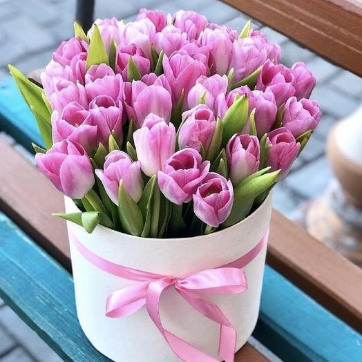 25 тюльпанов в коробочке: букеты цветов на заказ Flowwow