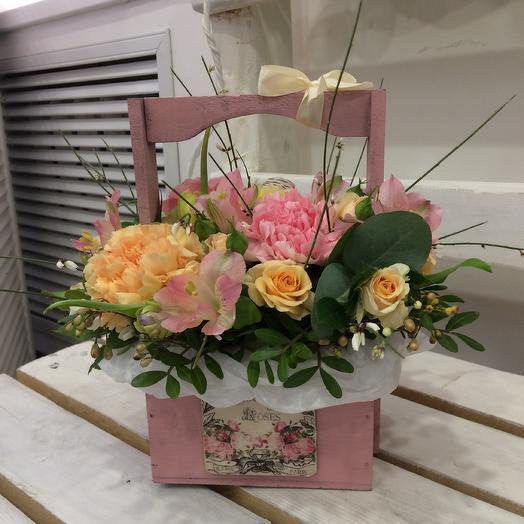 Цветочный ящик: букеты цветов на заказ Flowwow