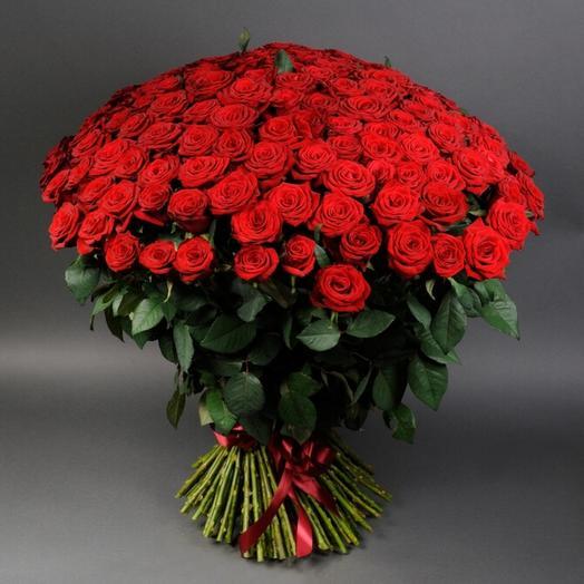 """Букет из красных роз """"Любовь и романтика"""""""