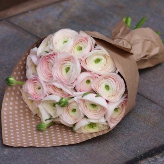 Букет из ранункулюсов нежно-розовых премиум 19 шт