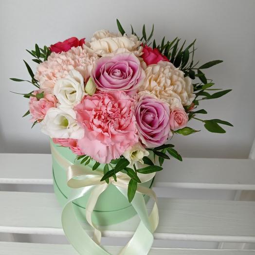 """""""Яркая и воздушная"""" С розами в шляпной коробке"""