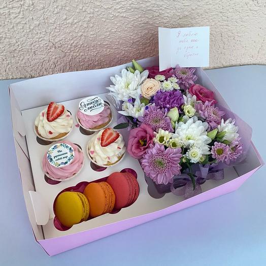 Подарочный набор Цветы Капкейки Макарон (на день рождения/8 марта)