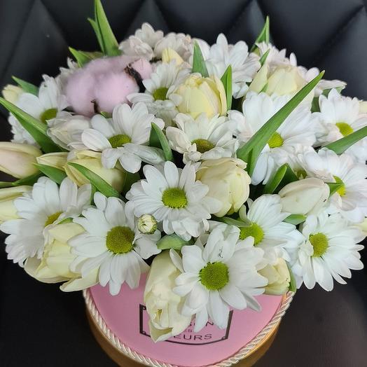 Коробочка с хризантемой и тюльпаном