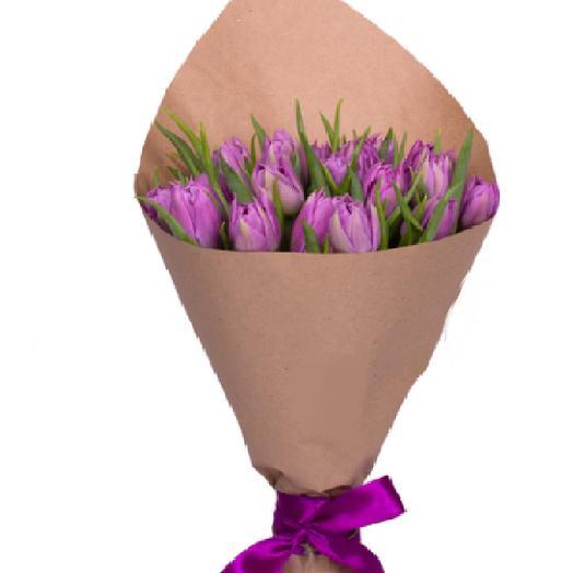 11 пионовидных тюльпанов
