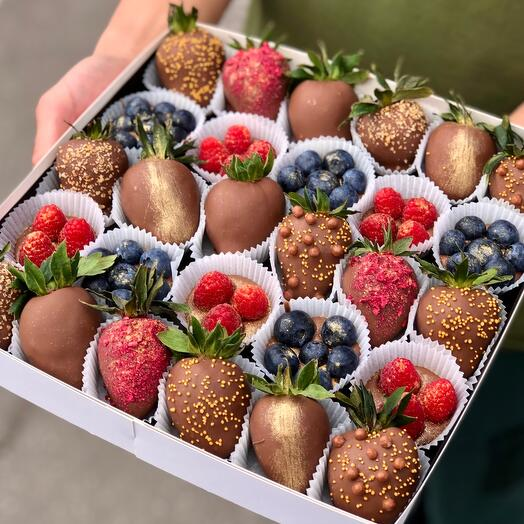 """Фрукты и ягоды в шоколаде """"Berry Kingdom XL"""""""