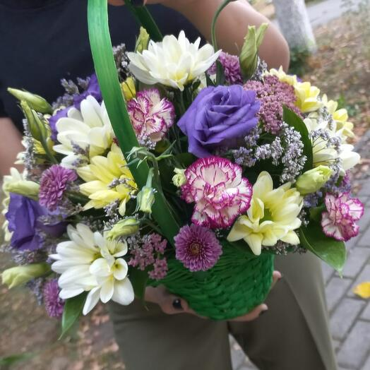 Корзина с цветами Душистый сад