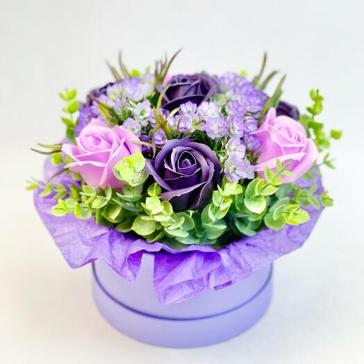 Коробка мыльных сиреневых роз