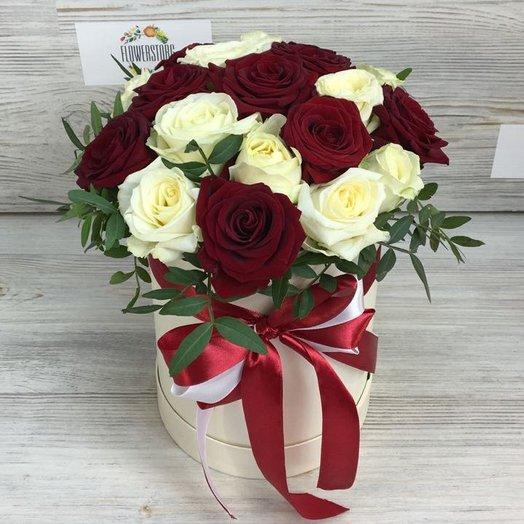 Коробки с цветами. Розы. N50: букеты цветов на заказ Flowwow