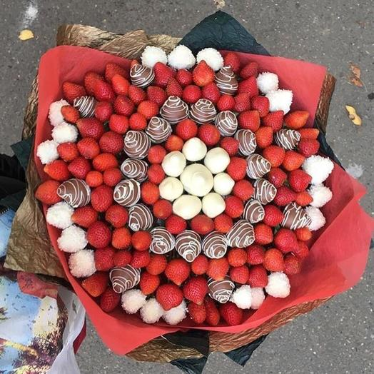 Клубничный букет «Мега»: букеты цветов на заказ Flowwow