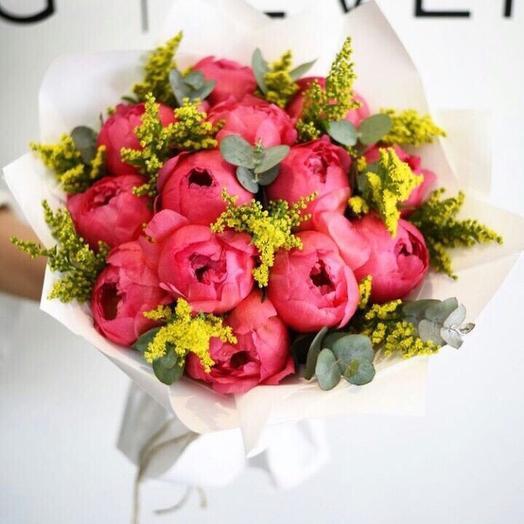 Коралловое настроение: букеты цветов на заказ Flowwow
