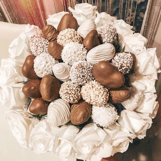 """Клубничный букет """"Chocolate cake """": букеты цветов на заказ Flowwow"""
