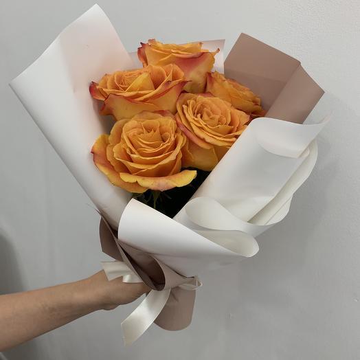 Букет-комплимент из роз: букеты цветов на заказ Flowwow