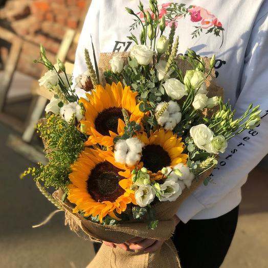 Букет с подсолнухами и эустома.N523: букеты цветов на заказ Flowwow
