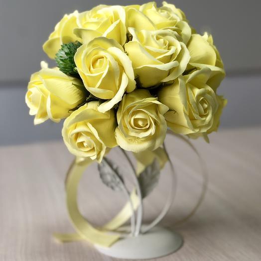 Топиарий из мыльных роз Совушка