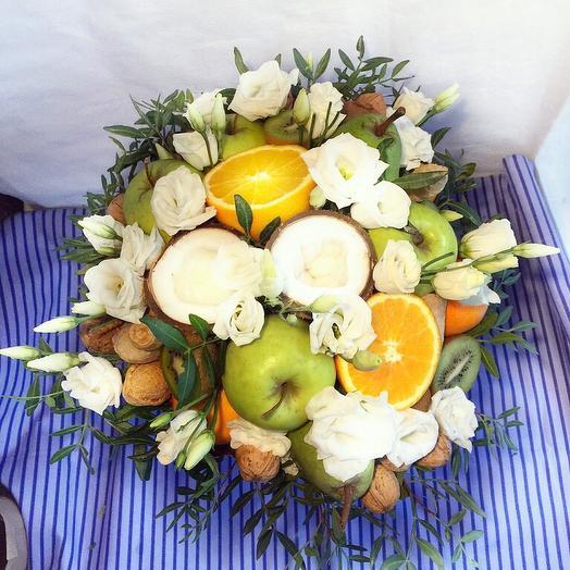 Фруктовый букет «Восторг »: букеты цветов на заказ Flowwow