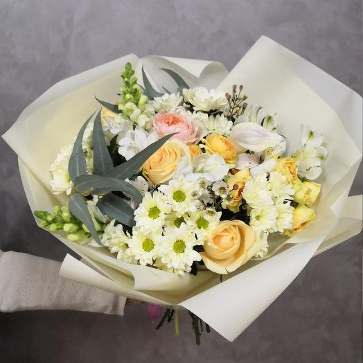 A bouquet of delicate: flowers to order Flowwow