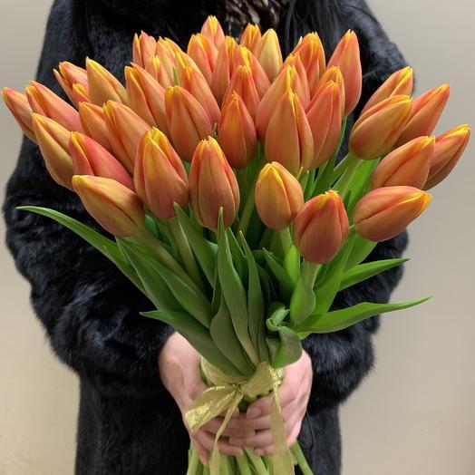 Букет из 49 огненных тюльпанов: букеты цветов на заказ Flowwow