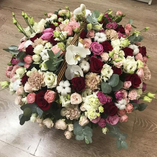 """Корзина с розами и орхидеями """"Мисс Элегантность"""""""