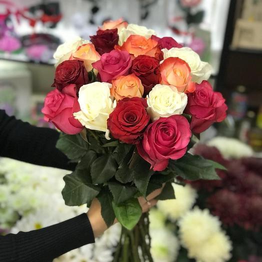 Розы Эквадор микс: букеты цветов на заказ Flowwow
