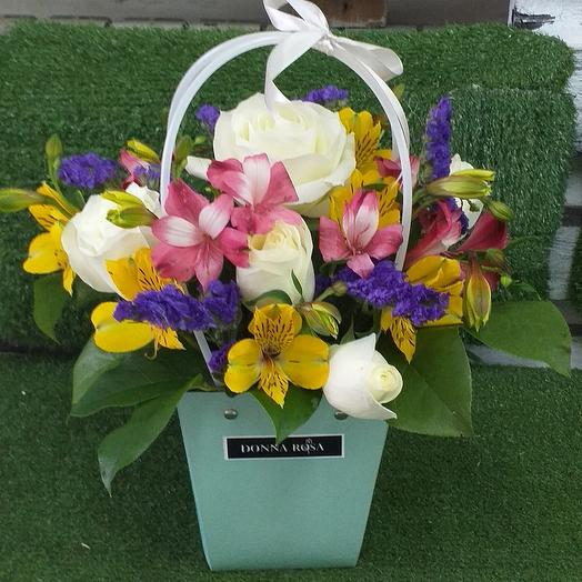 Сумочка желаний: букеты цветов на заказ Flowwow