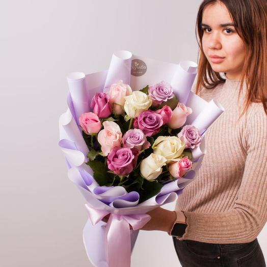 Нежный микс из роз