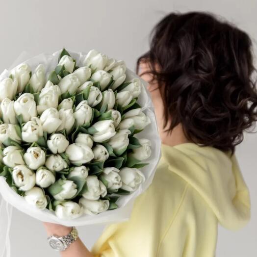 Тюльпаны белые
