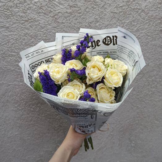 Букет-комплимент с розами и статицей