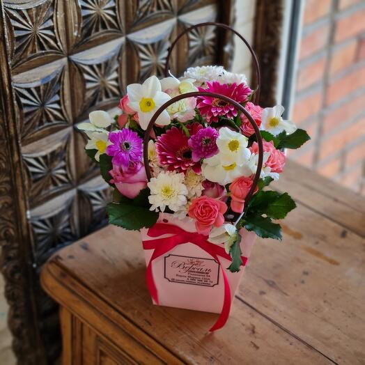 Сумка с розовыми и белыми цветами
